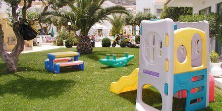 Leikkipaikka, hotelli Nikolas Villas. Hersonissos, Kreeta.