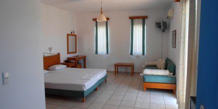 Yksiö. Hotelli Ninemia Beach, Agia Marina, Kreeta.
