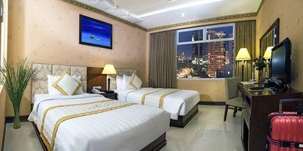 Superior-huone. Hotelli Northern Saigon, Vietnam.