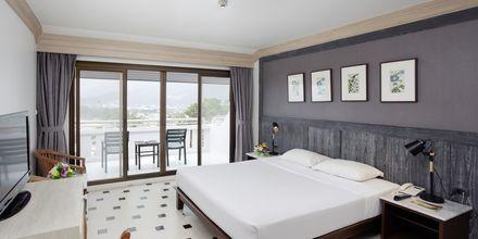 Deluxe-huone. Hotelli Orchidacea Resort, Kata Beach, Phuket, Thaimaa.