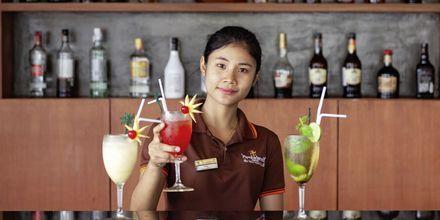 Baari. Hotelli Orchidacea Resort, Kata Beach, Phuket, Thaimaa.