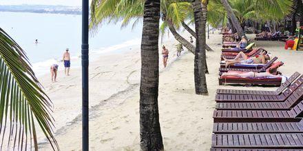Läheinen ranta. Hotelli Oriental Pearl Resort, Phan Thiet, Vietnam.