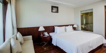 Superior-huone. Hotelli Oriental Pearl Resort, Phan Thiet, Vietnam.