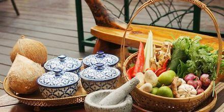 Ruoanlaittokurssi, hotelli Pakasai Resort. Ao Nang, Thaimaa.