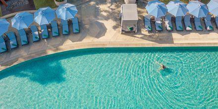 Allasalue, hotelli Pakasai Resort. Ao Nang, Thaimaa.