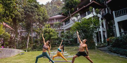 Joogaa, hotelli Pakasai Resort. Ao Nang, Thaimaa.