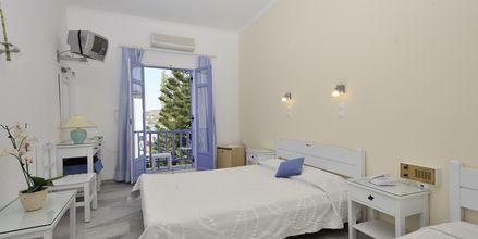 Kahden hengen huone, hotelli Panorama. Parikia, Paros.