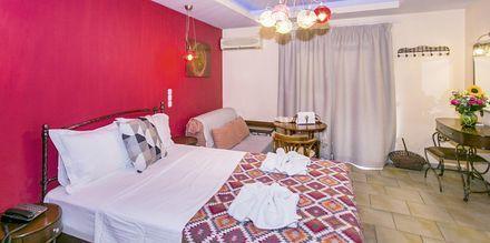 Superior -huone, hotelli Paradise. Parga, Kreikka.