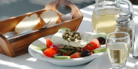 Perinteistä kreikkalaista ruokaa. Paros, Kreikka.