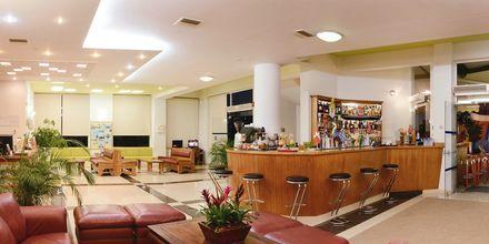 Vastaanotto, hotelli Pegasus, Kato Stalos, Kreeta.