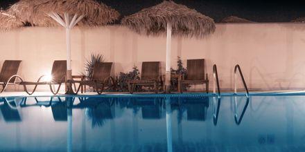 Allas. Hotelli Perissa Bay, Santorini.