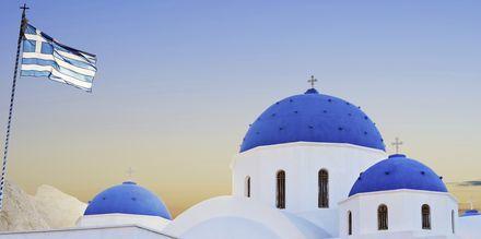 Kirkko. Perissa/Perivolos, Santorini, Kreikka.