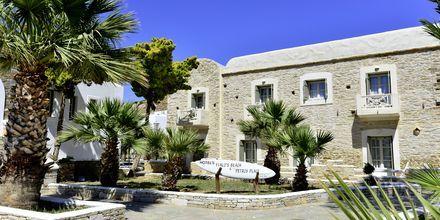 Sisäänkäynti. Hotelli Petros Place, Ios, Kreikka.