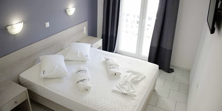 Yksiö, hotelli Piccolo Bianco. Parga, Kreikka.
