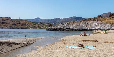 Plakiaksen ranta sopii täydellisesti sinulle, joka arvostat omaa tilaa ja rauhaa.