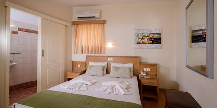 Kaksikerroksinen yksiö, Hotelli Platanias Mare, Platanias, Kreeta.