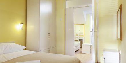 Kaksikerroksinen kaksio, Hotelli Primordia, Podgora, Kroatia.