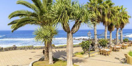 Ravintoloita rantakadun varrella, Puerto de la Cruz, Teneriffa, Kanariansaaret.