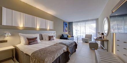 Superior-huone, Hotelli Radisson Blu Resort & Spa Puerto Mogan, Gran Canaria.