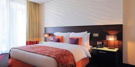 Kahden hengen huone. Hotelli Radisson Blu Yas Island, Abu Dhabi.