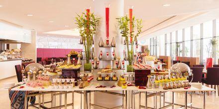 Buffetravintola, Hotelli Radisson Blu Yas Island. Yas Island, Abu Dhabi.