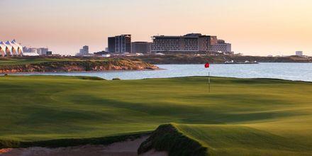 Golf -kenttä lähellä hotellia Radisson Blu Yas Island. Yas Island, Abu Dhabi.