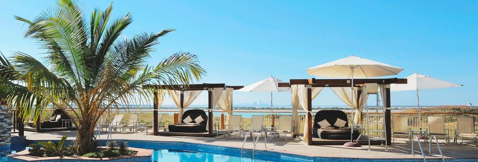 Hotelli Radisson Blu Yas Island. Yas Island, Abu Dhabi.