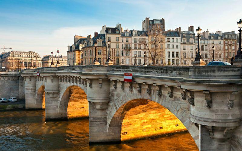Legendaarinen Pont Neuf-silta, Pariisi, Ranska.