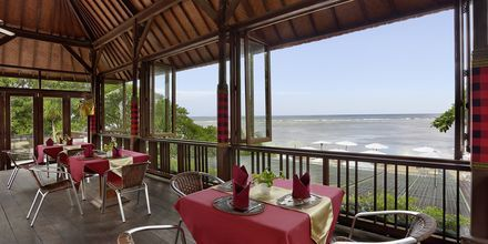 Ravintola, hotelli Respati Beach, Sanur, Bali, Indonesia.
