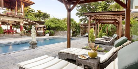 Allasalue, hotelli Respati Beach, Sanur, Bali, Indonesia.
