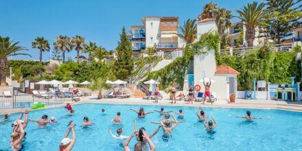 Vesiurheilua allasalueella, Hotelli Rethymno Mare Resort, Kreeta.