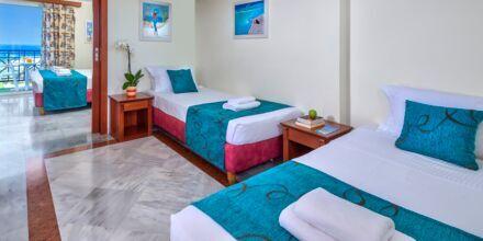 Perhehuone 4 hengelle, Hotelli Rethymno Mare Resort, Kreeta.