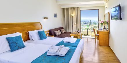 Deluxe-huone. Hotelli Rethymno Mare Resort, Kreikka.