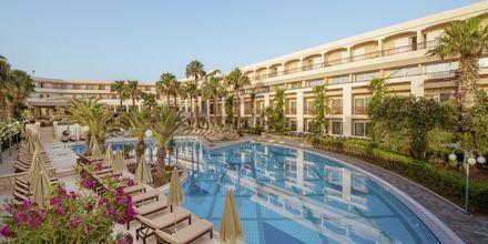Allasalue. Hotelli Rethymno Palace, Rethymnon, Kreeta, Kreikka.