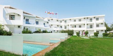 Juniorsviitti yksityisellä altaalla, Hotelli Rethymno Residence, Kreeta.