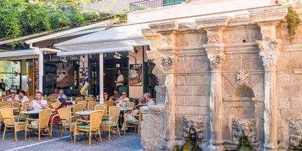 Rethymnonin kaupungissa on useita ravintoloita joista valita.