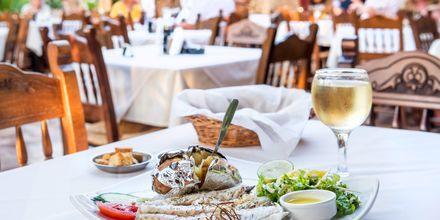 Ruokaa kreikkalaisittain.