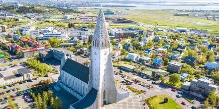 Hallgrímskirkja Reykjavikissa, Islannissa.