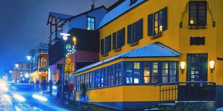Yksi Reykjavikin pääkaduista, Laugavegur.