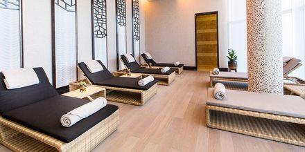 Rentoutumisalue Ritz-Carlton Dohan spassa.