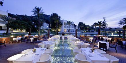 Ravintola, hotelli Rodos Palace. Ixia, Rodos, Kreikka.