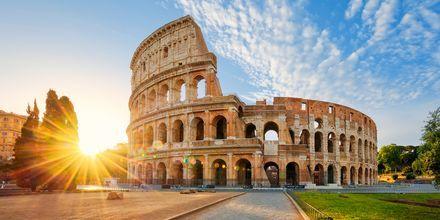 Colosseum Romassa, Italiassa, yksi kaupungin monista kaupungeista.