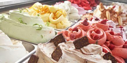 Loma Roomassa ei ole mitään ilman italialaista jäätelöä!
