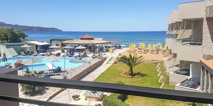 Yksiö merinäköalalla. Hotelli Rose, Kato Stalos, Kreeta, Kreikka.