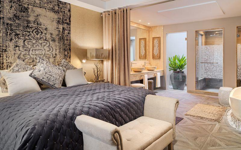 Havainnekuva sviitistä, hotelli Royal River Luxury Hotel. Playa de las Americas, Teneriffa.