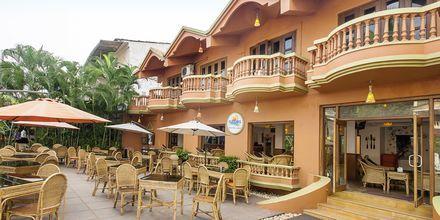Hotelli Ruffles Beach Resort, Pohjois-Goa, Intia.