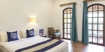 Deluxe-huone, Hotelli Ruffles Beach Resort, Pohjois-Goa, Intia.