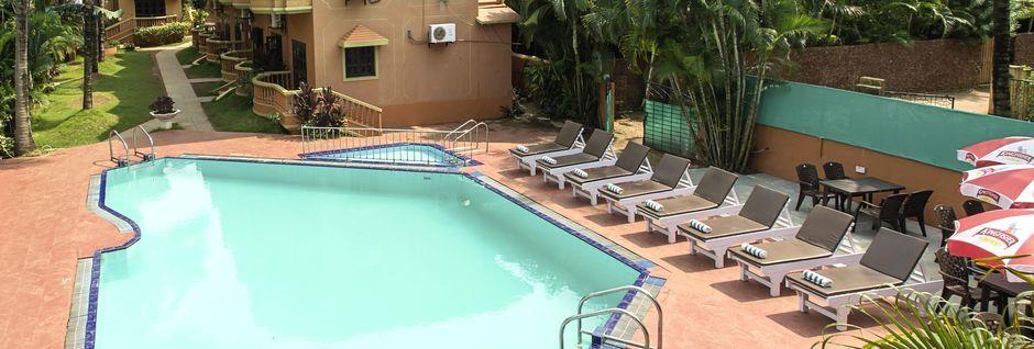 Allasalue, Hotelli Ruffles Beach Resort, Pohjois-Goa, Intia.