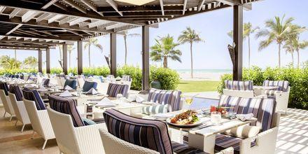Rantaravintola- ja baari, Salalah Rotana Resort, Oman.
