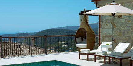 Kolmen huoneen huvila omalla altaalla, Hotelli Salvator Hotel Villas & Spa, Parga.